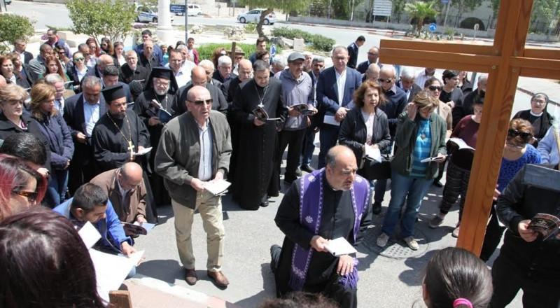 مسيرة درب الصليب في شوارع رام الله