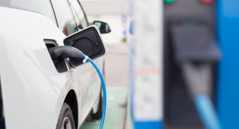 انتشار السيارات الكهربائية أسرع من المتوقع