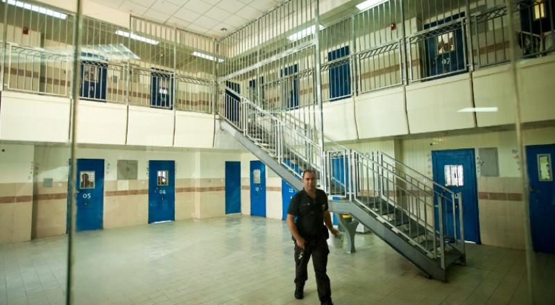 أوضاع معيشية صعبة للأسيرات في سجن