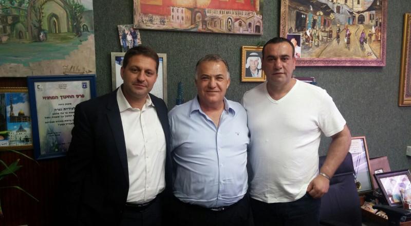كريم عراقي نائب رئيس بلدية نينبورغ يحمل رسالة من رئيس بلدية الناصرة