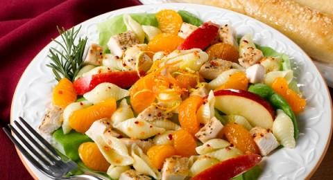 طبق قطع الدجاج بالمعكرونة والبرتقال