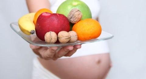 ماذا يجب أن تأكل السيدة الحامل؟