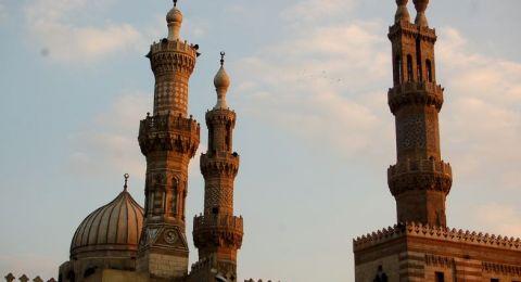الأزهر يكافح الطلاق في مصر بحملة