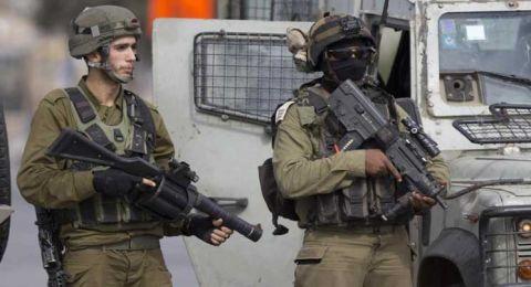 اعتقال ستة مواطنين خلال اقتحام ومداهمة منازل في الضفة الغربية.