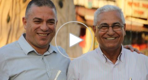 سخنين: مازن غنايم وصفوت ابو ريا بشاركان الحركة الاسلامية بتوزيع الورود ب