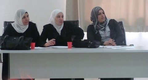نساء أم الفحم يصغن مطالبهنّ بمجاليّ التعليم والصحة