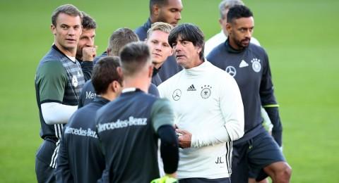 لوف يحقق رقم قياسي جديد ويصبح الأكثر انتصاراً بتاريخ ألمانيا