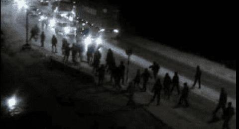 مستوطنون يهاجمون مركبات المواطنين الفلسطينيين