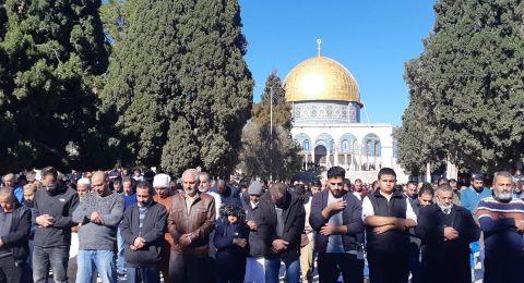 25 الف مصل يؤدون الجمعة في الاقصى