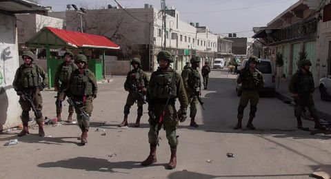 الاحتلال يقتحم بلدة سلواد ويغلق مداخلها واندلاع مواجهات مع الشبان