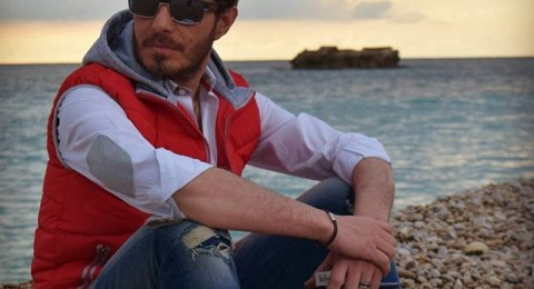 أحمد زاهر ينجو من الموت بعد تعرضه لحادث سير