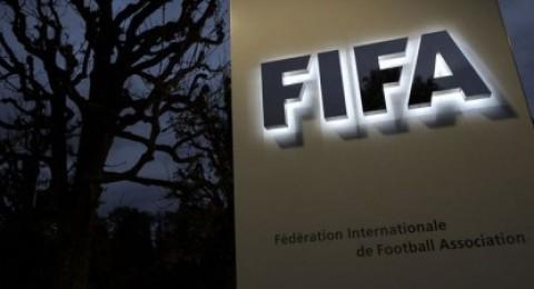 الفيفا يعاقب ريال مدريد وأتلتيكو بالحرمان من التعاقدات لفترتين