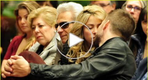 جيرارد بيكيه يتلقّى قبلة حميمة من شاكيرا