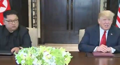 ترامب وكيم يوقعان مذكرة تفاهم مشتركة