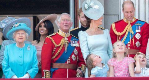 لماذا وقفت ماركل خلف ميدلتون خلال عيد الجدة الملكة؟