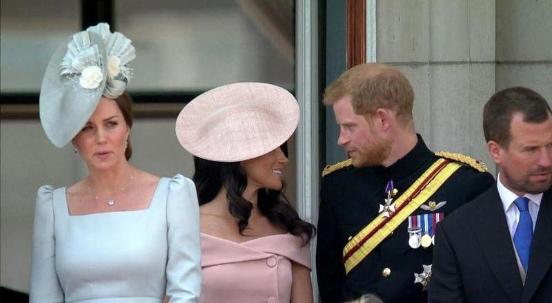 نظرة غرام من ميغان ماركل لـ الأمير هاري تشعل الإنترنت!