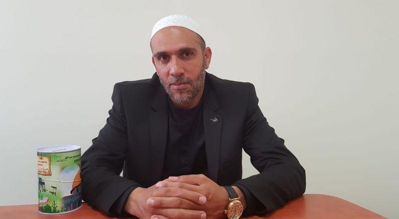 الشيخ دراوشة يفند المزامع بالحصول اموال التبرع من الحوانيت