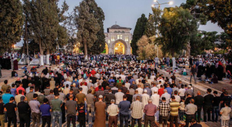 مفتي القدس: صلاة عيد الفطر الساعة 6:05 دقائق