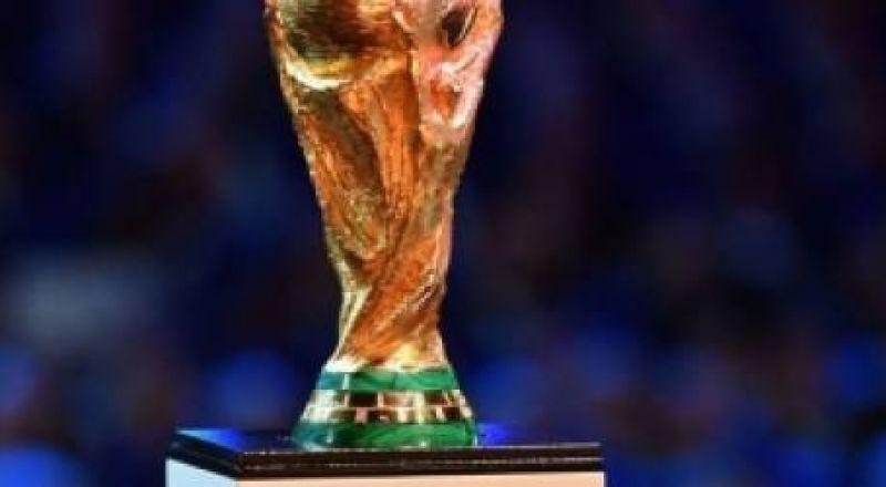 عربي يشارك في صناعة مجسم كأس العالم 2018