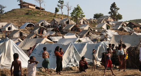 """""""رايتس ووتش"""": جيش ميانمار أحرق 62 قرية في أراكان"""