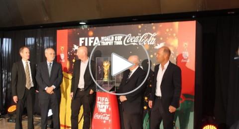 كوكا كولا تحتفل بوصول كأس العالم لكرة القدم الى البلاد