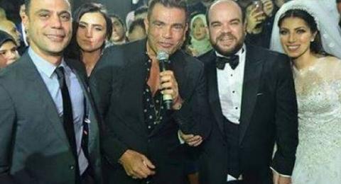 قميص عمرو دياب يحدث ضجة عبر مواقع التواصل!