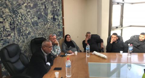 قلنسوة: عقد جلسة طارئة ورئيس البلدية يحمل نفسه مسؤولية اي شخص يقتل