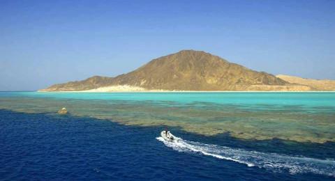 بالصور: تعرف إلى جزيرة الزبرجد المصرية