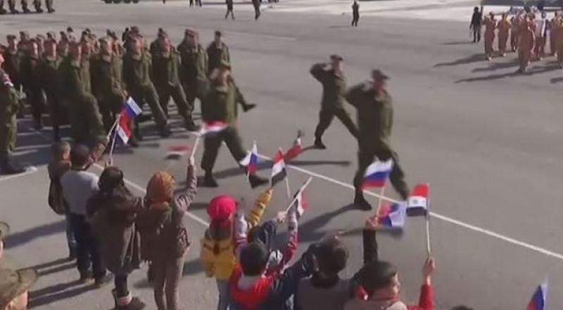 بوتين يزور سورية، يلتقي بالأسد، يسحب القوات الروسية ويعلن الانتصار على الإرهاب
