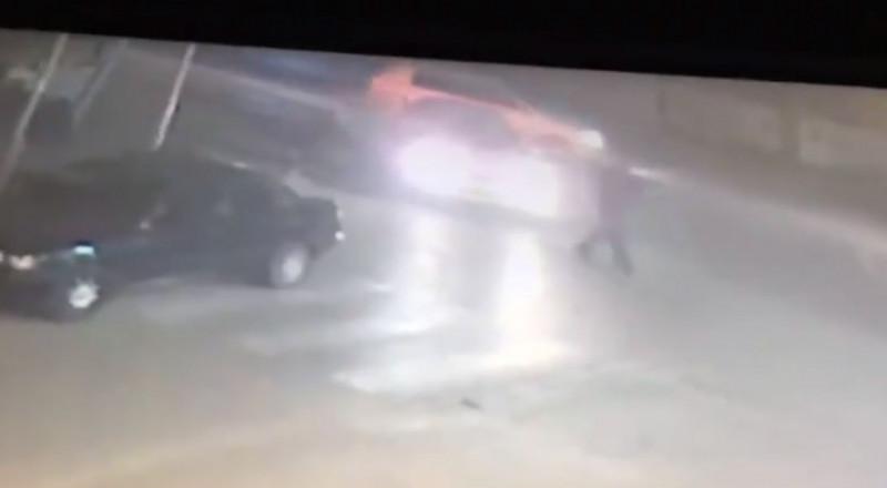 فيديو مخيف .. إلى أين وصلنا؟ توثيق اطلاق النار في قلنسوة الذي اسفرعن مقتل الشاب عبد الله سلامة