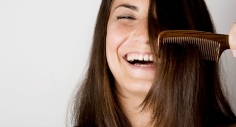 وصفة طبيعية تخلصك من مشكلة تساقط الشعر.. اكتشفيها