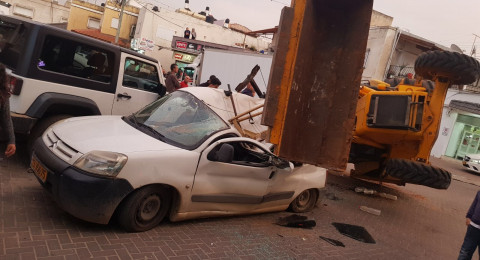الطيرة: انقلاب تراكتور على سيارة دون تسجيل اصابات