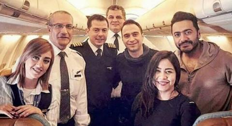 """حسام حبيب يظهر برفقة شيرين في رحلتها الى السويد.. والجمهور يسأل: """"بيعمل إيه حسام معاكوا"""""""