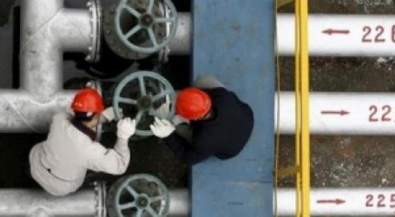 النفط يتكبد خسارة أسبوعية 9%