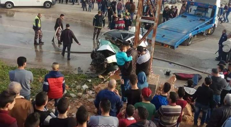 مصرع مواطنين من نابلس واصابة آخرين في حادث سير مروع