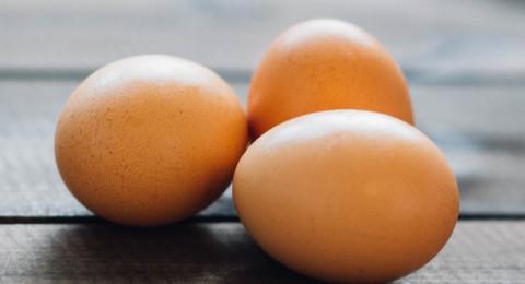 ما الذي يحدث في الجسم عند تناول ثلاث بيضات في اليوم