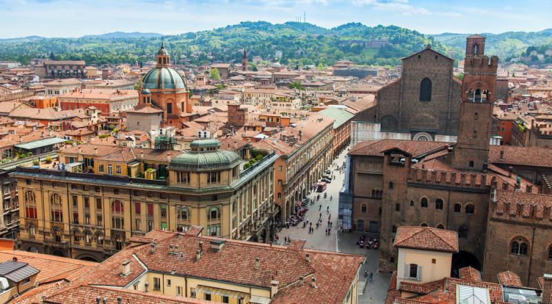 بولونيا الايطالية، 24 ساعة كافية للتعرف على معالمها السياحية