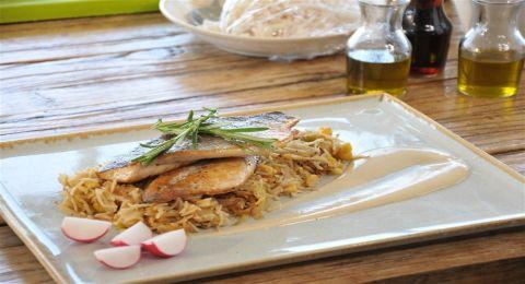 ع الطاولة مع تشرين - صيادية سمك عجاج