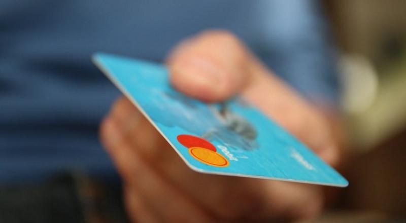 عمليات الشراء عبر الإنترنت: بين الميزات والتخوفات