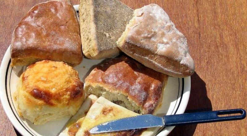 حقيقة مضار وفوائد الخبز بنوعيه