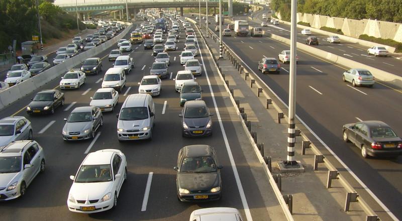مواطن من يافا يعتدي على سائق سيارة أجرة لأنه رفض أن يقله