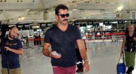 ايزيل يسافر الى برشلونة بعد اطلاق سراحه من الحبس