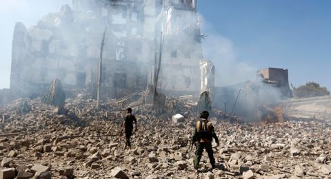 صنعاء تتهم التحالف السعودي بالترويج للتهدئة لترتيب أوضاع قواته المنهارة