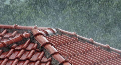 حالة الطقس: زخات متفرقة من الامطار والارصاد تحذر