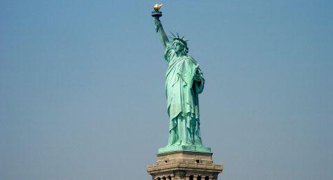 شعلة تمثال الحرية الأصلية تنقل إلى
