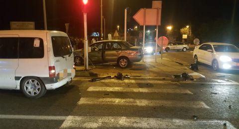 6 اصابات متفاونة في حادث طرق على مفرق البروة