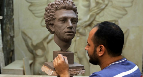 تمثال ثان للفرعون صلاح .. فأيهما أجمل؟