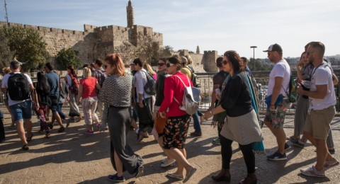 رقم قياسي في عدد السياح الوافدين إلى إسرائيل في الشهر الماضي