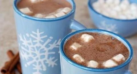 إليك، مشروب الشوكولاتة الساخنة بالمارشميلو