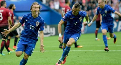 مودريتش يقود كرواتيا للفوز على تركيا في اليورو